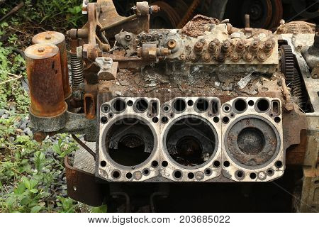 Damage engine of a car wait for recycle