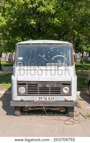 Old Mini Van