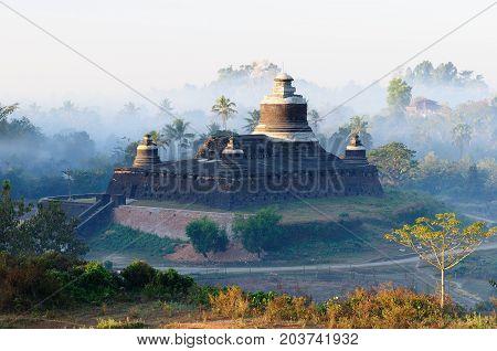 Mrauk U (small Bagan) the ancient Rakhaing capital. Sunrise above the Dukkanthein Paya temple in Mrauk U. Myanmar (Burma)