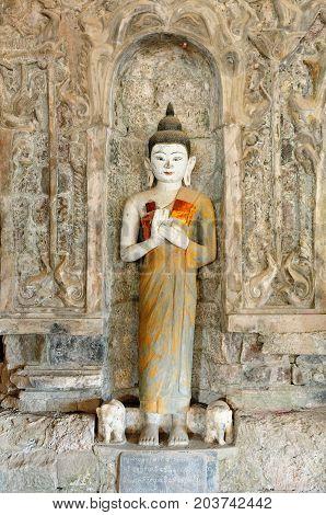 Myanmar (Burma), Mrauk U (small Bagan) the ancient Rakhaing capital. Andaw Paya