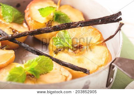 Baked Red Apples With Vanilla Syrop, Mint And Honey