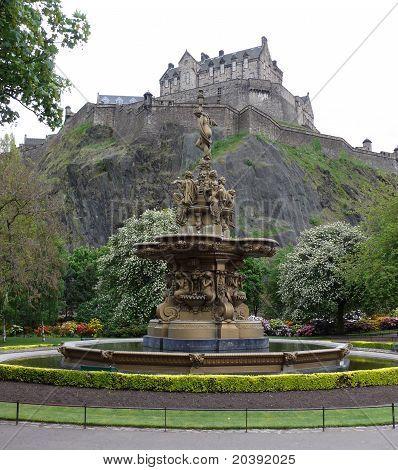 Ross Fountain in front of Edinburgh Castle