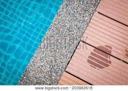 Swimming Pool Edge .