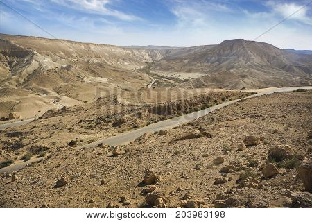 Israeli desert landscape view with Nahal Tzin in Makhtesh Ramon