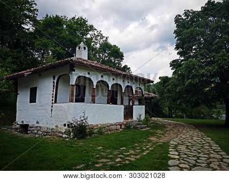 Rustic House In Serbia - At The Lepinski Vir Archeological Site