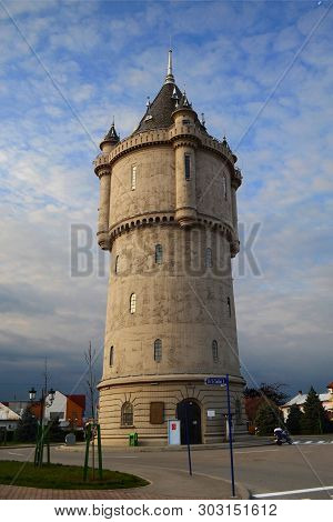 Drobeta Turnu Severin, Romania - March 26, 2016: The Water Castle An Emblematic Structure Of The Cit