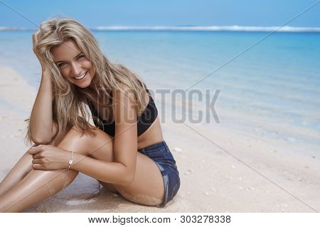 Romantic Vacation Concept. Attractive Carefree Blond Caucasian Girlfriend Giggle Have Fun Enjoy Summ