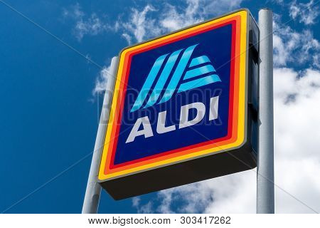 River Falls, Wi/usa - May 26, 2019: Aldi Grocery Store Sign.  Aldi Is Is A Global Discount Supermark