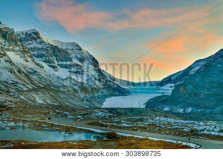 View Of Athabasca Glacier At Columbia Icefield Parkway In Jasper National Park ,canada