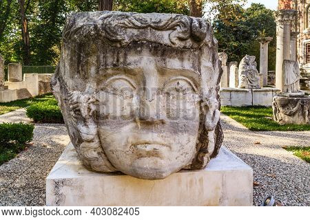 Istanbul, Turkey - September 13, 2017: This Is A Huge Statue Of The Head Of Medusa The Gorgon On Exp