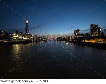 Waterfront Riverside Promenade Esplanade Panorama London City Center Thames River Great Britain Unit