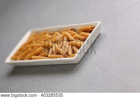 Mix Of Wholegrain Penne And White Mini Penne