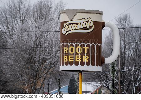 Taylors Falls, Minnesota - January 9, 2021: The Frostop Root Beer Sign At The Classic, Retro Drive I