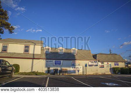 Augusta, Ga Usa - 01 02 21: Republican Gop Headquarters Signs On A Wall