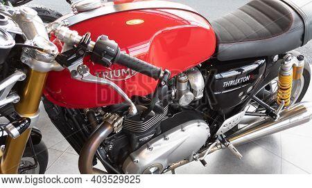 Bordeaux , Aquitaine  France - 01 10 2021 : Triumph Bonneville Thruxton Retro Vintage Logo Sign And