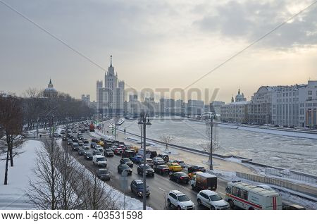 Moscow, Russia - February 8, 2018: Winter View Of Moskvoretskaya Embankment And High-rise Building O