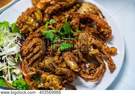 Deep Fried Soft Shell Crab With Garlic And Pepper.