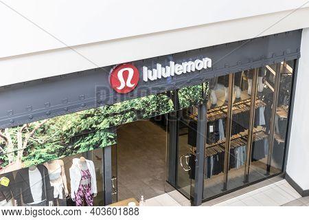 Indianapolis - Circa January 2021: Lululemon Athletica Retail Mall Location. Lululemon Athletica Off