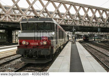 Paris, France - August 11, 2006: Passenger Train, An Overnight Paris Vienna Ready In Paris Gare De L