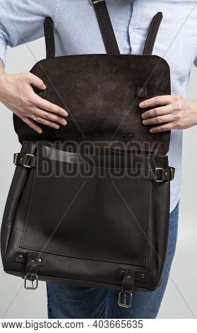 Details Of Open Brown Mens Shoulder Leather Bag For A Documents And Laptop On The Shoulders Of A Man