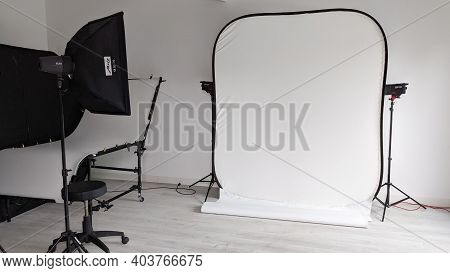 Bordeaux , Aquitaine  France - 01 10 2021 : Metz Studio Photographer White Table Setup And Interior