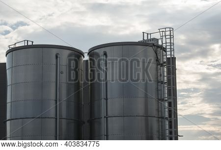 Silo Towers For Storing Bulk Materials