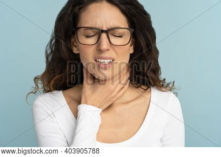 Woman Having Sore Throat, Tonsillitis, Feeling Sick, Suffering From Painful Swallowing, Angina, Stro
