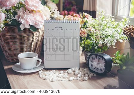 2021 Calendar Desk For Planner And Organizer To Plan And Reminder Daily Appointment, Meeting Agenda,