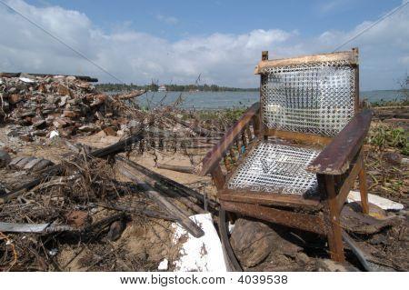 Tsunami Trümmer