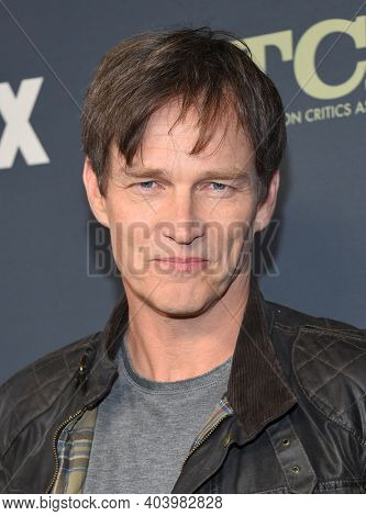 LOS ANGELES - FEB 06:  Actor Stephen Moyer arrives for FOX Winter TCA 2019 on February 06, 2019 in Los Angeles, CA
