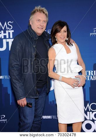 LOS ANGELES - APR 29:  Patricia Heaton & David Hunt  arrives to the