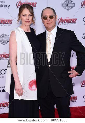 LOS ANGELES - APR 14:  James Spader & Leslie Stefanson arrives to the Marvel's