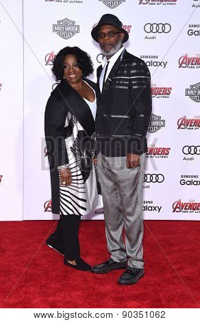 LOS ANGELES - APR 14:  Samuel L. Jackson & LaTanya Richardson arrives to the Marvel's