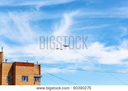 Air Refueling Of Fighter Aircraft Over House