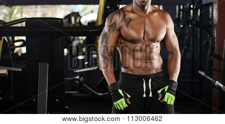 Athlete Muscular Brutal Bodybuilder Emotional Posing In The Gym
