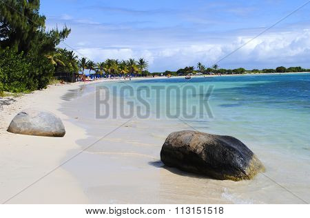 Le Gallion Beach St Maarten