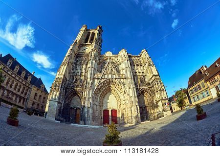 front of the Cathedral Troyes