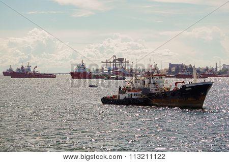 LABUAN FT, MALAYSIA - DEC 26, 2015 : The Supply Vessels At Labuan Sunrise.