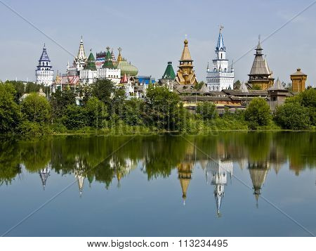 Moscow tourist landmark vernisage Izmaylovo - wooden architecture.