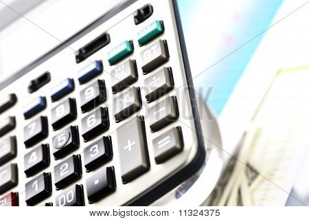 Raport and calculator