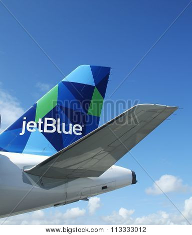 JetBlue Airbus A321 prism inspired design tailfin