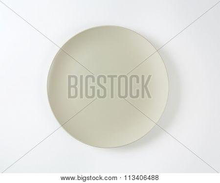 Coup shaped round bone white ceramic plate