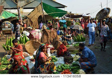 Food market in Dhaka, Bangladesh