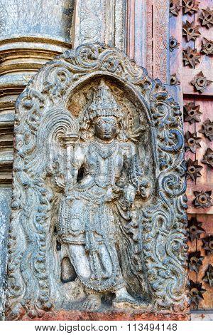 Artistic statue of Lord Vishnu of Chennakesava temple, Belur taken December 30th, 2015