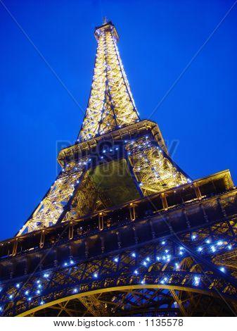 Eiffel Tower 918