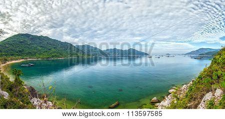 Vung Ro bay sunny day panorama