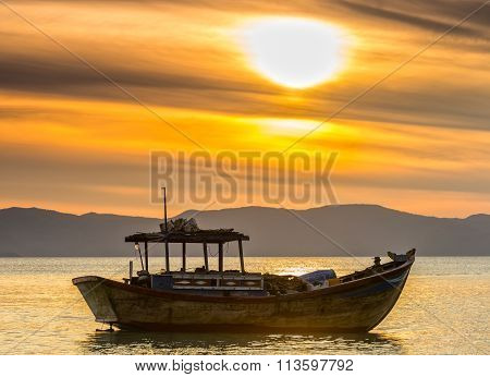 Peaceful boat before dawn