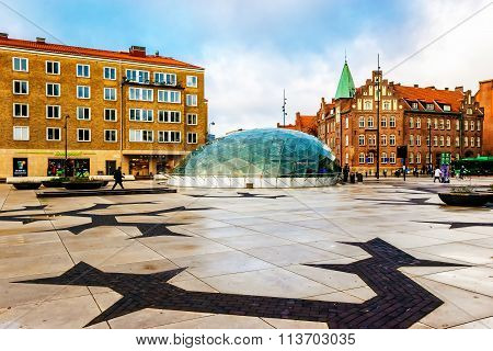 Malmo, Sweden - January 3, 2015: One Of The Town Squares With Glass Entrance To The Metro Station In