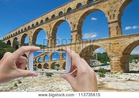 Take A Picture Of Pont Du Gard