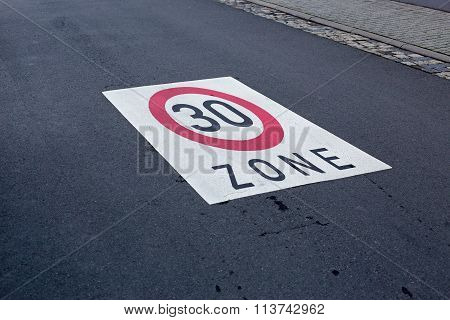 Maximum speed 30
